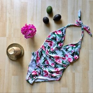 NWT Cupshe mint floral halter ruched one-piece Med